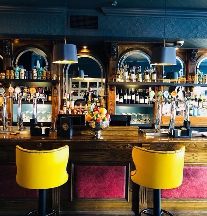 Chambers Cocktail Bar.